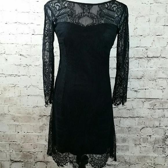 BB Dakota Dresses & Skirts - BB Dakota black lace form fitting dress